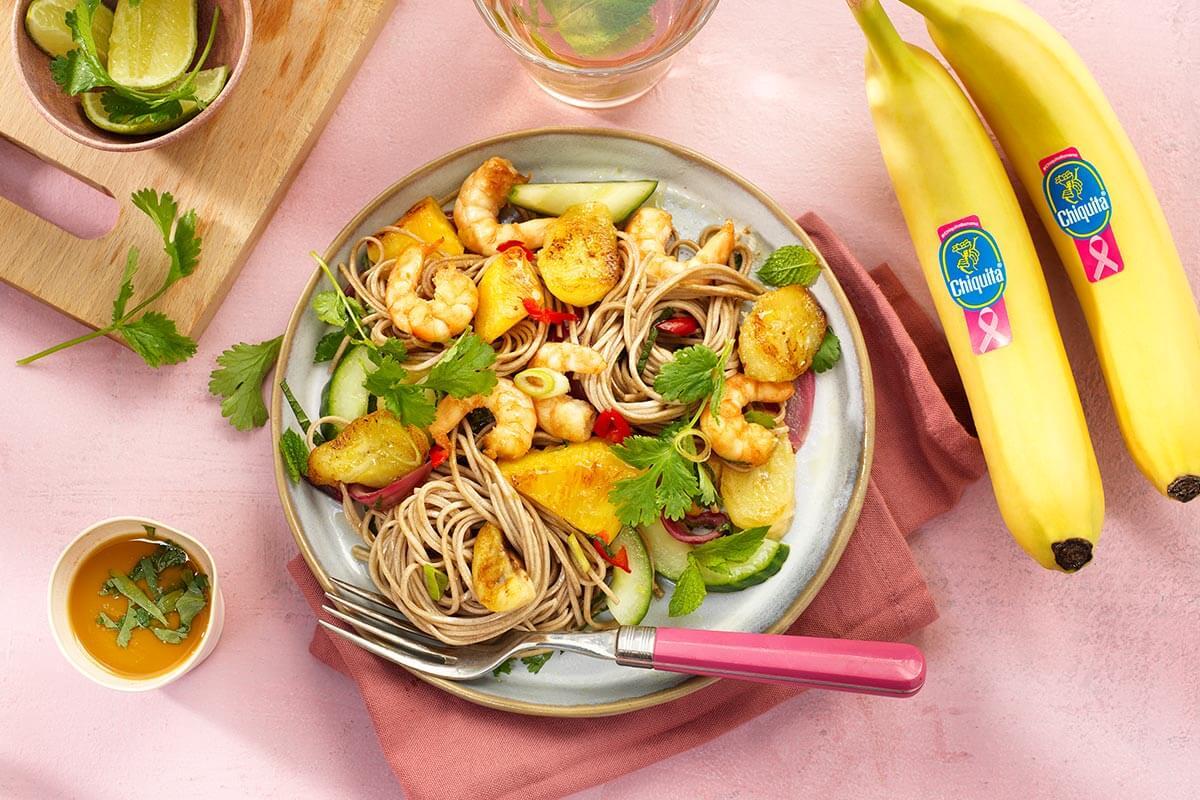 Noodles saltati con gamberi e banana Chiquita