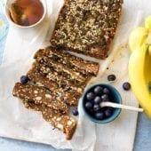Barrette energetiche con quinoa soffiata, banana Chiquita e semi di zucca.