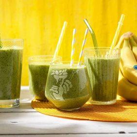 Salutare frullato di banane Chiquita e spinaci