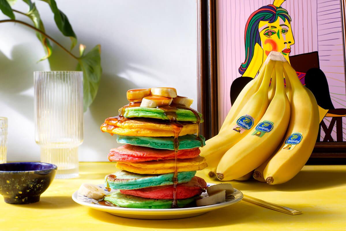 Pancake colorati e soffici con banane Chiquita