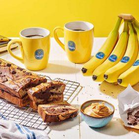 Banana bread con banane Chiquita, burro di arachidi e cioccolato