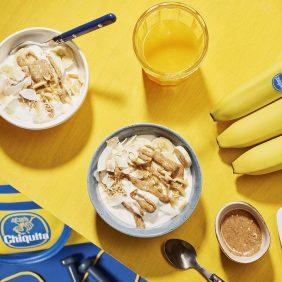 Spuntino energetico pre-allenamento a base di banane, cocco e burro di mandorle di Chiquita